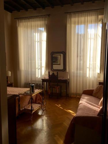 Soggiorno Antica Torre, Florence | BedroomVillas.com