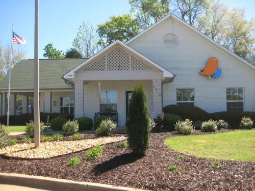 Home-towne Suites Auburn - Auburn, AL 36830