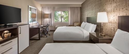 DoubleTree by Hilton Chicago-Wood Dale/Itasca Photo