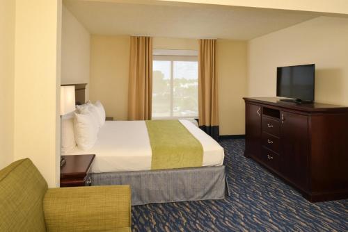Radisson Hotel New Orleans Airport Photo