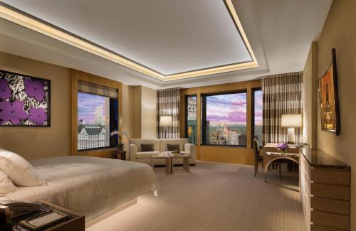 Four Seasons Hotel New York Photo