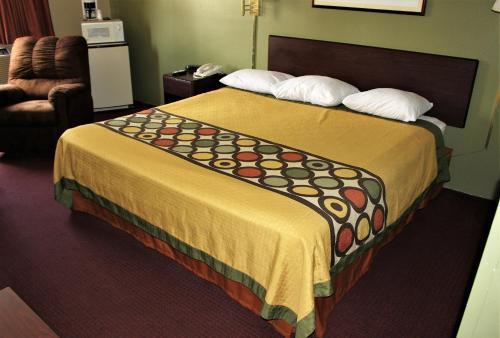 Knights Inn Albany - Albany, GA 31701