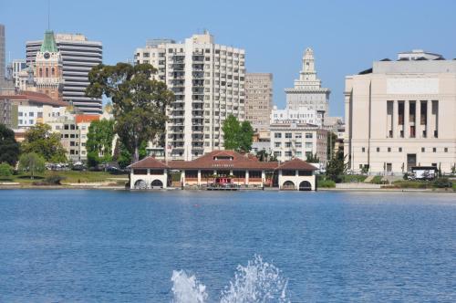 Americas Best Value Inn - Downtown Oakland/Lake Merritt Photo