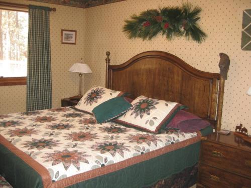 Fox Run Bed & Breakfast - Colorado Springs, CO 80921