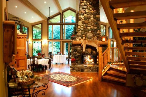 Arlington's River Rock Inn Bed & Breakfast - Arlington, WA 98223