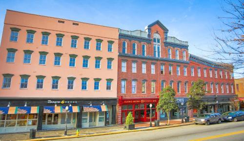 The Grant - Two-bedroom Broughton Street (201) - Savannah, GA 31401