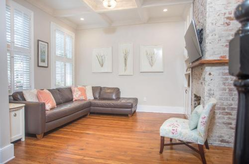 Allure On Jones - Three-bedroom - Savannah, GA 31410