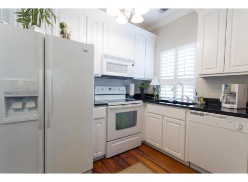 The Price - One-bedroom - Savannah, GA 31401