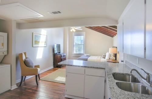 Sparrow's Nest - One-bedroom - Savannah, GA 31401