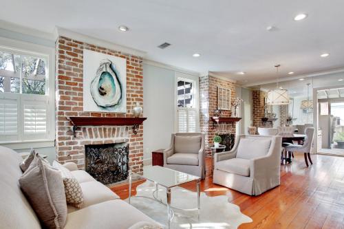 Cotton Manor - Two-bedroom - Savannah, GA 31401