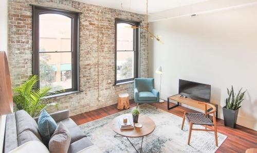 The Grant - One-bedroom Broughton Street (203b) - Savannah, GA 31401