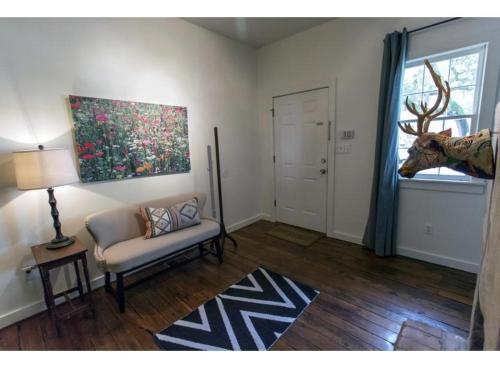 Savannah Selfies - Three-bedroom - Savannah, GA 31401