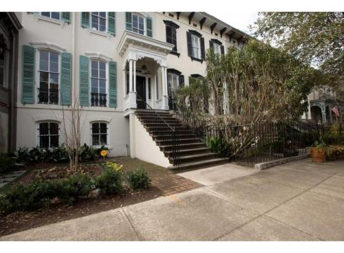 Commodore's Quarters - One-bedroom - Savannah, GA 31401