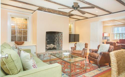 Cohen House Garden Apartment - One-bedroom - Savannah, GA 31401