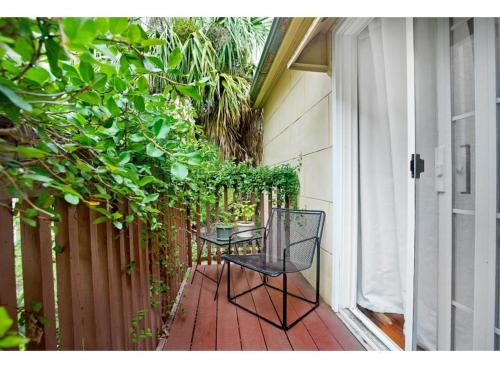 Lucky Lane Carriage House - One-bedroom - Savannah, GA 31401