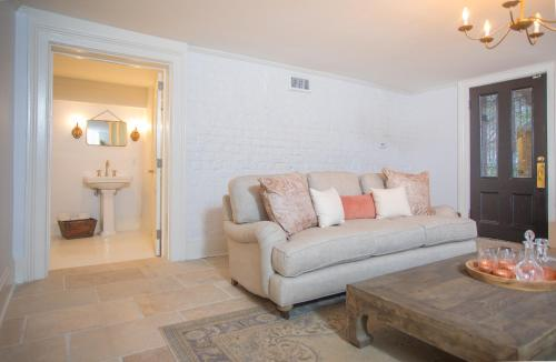 Mansion On Madison Garden Apartment - One-bedroom - Savannah, GA 31401