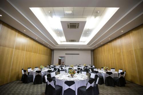 aha Kopanong Hotel & Conference Centre Photo