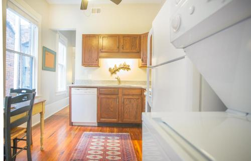 Delia Row - 903b - One-bedroom - Savannah, GA 31401