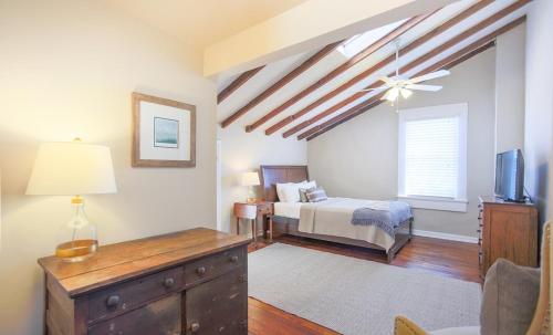 Robin's Nest - One-bedroom - Savannah, GA 31401