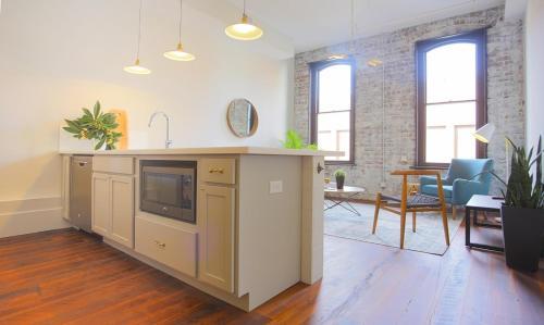 The Grant - Two-bedroom Lane (206) - Savannah, GA 31401