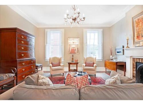 Mayor's Quarters - Three-bedroom - Savannah, GA 31401