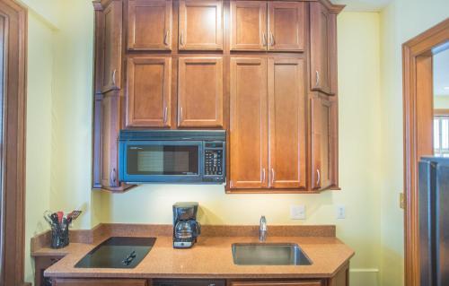 Bird Baldwin House - One-bedroom - Savannah, GA 31401