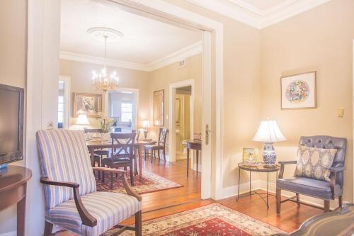 Canterbury Main House - Three-bedroom - Savannah, GA 31401