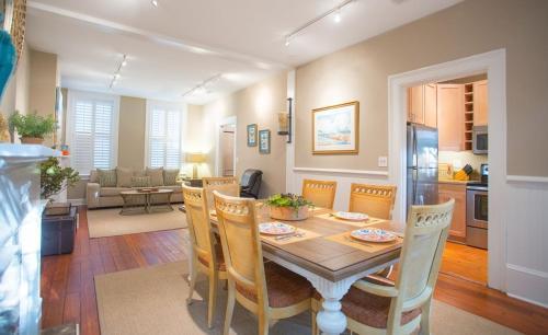 Habersham House - Two-bedroom - Savannah, GA 31401