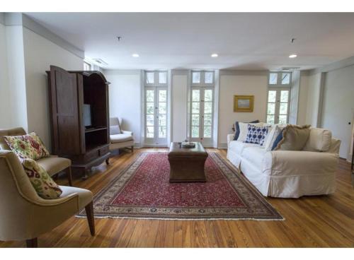 Lookout On Liberty - Two-bedroom - Savannah, GA 31401