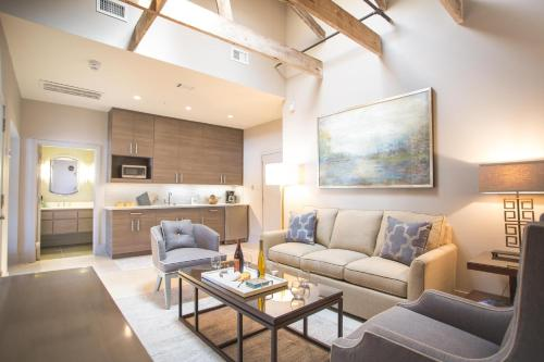 The Parker Collection - Unit 4 - Two-bedroom - Savannah, GA 31401