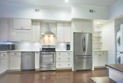 The Urban Oasis - Two-bedroom - Savannah, GA 31401