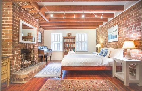 The Gibson Garden - One-bedroom - Savannah, GA 31401