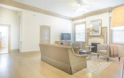 Drayton Place One Bedroom - One-bedroom - Savannah, GA 31401