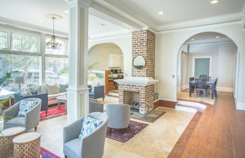 Gordon Townhome - Four-bedroom - Savannah, GA 31401