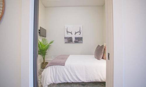 The Grant - Three-bedroom Lane (306) - Savannah, GA 31401