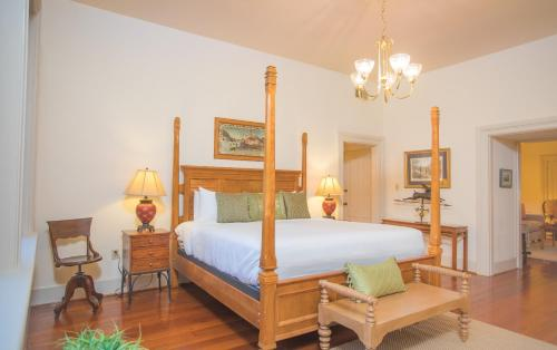 Wilkes Three - One-bedroom - Savannah, GA 31401