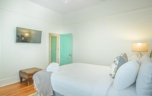 Drayton Place (unit 3) - Two-bedroom - Savannah, GA 31401