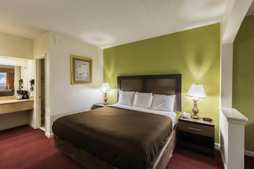 Suburban Extended Stay Hotel Florence Photo