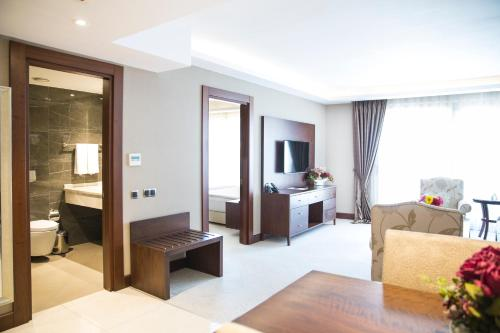 Grand Aras Hotel & Suites photo 23