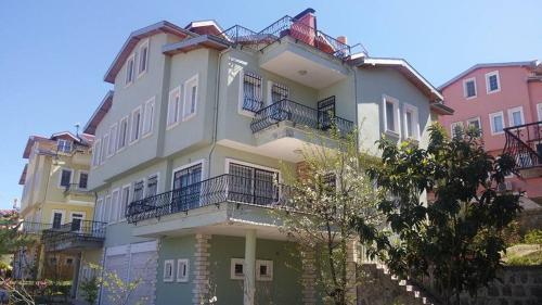 Yıldızlı Huzur Villa Trabzon tek gece fiyat