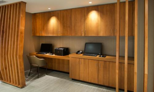 Springhill Suites By Marriott Seattle Issaquah - Issaquah, WA 98027