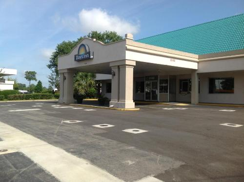 Days Inn Tallahassee-Government Center Photo