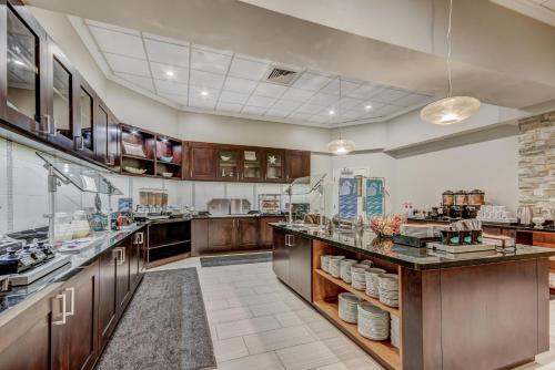 Homewood Suites By Hilton Indianapolis Carmel - Carmel, IN 46032