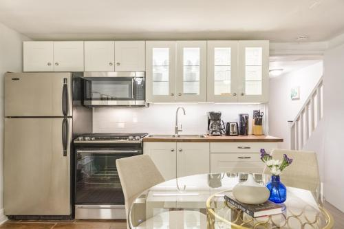 One-bedroom On E 62nd Street Apt G