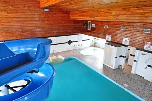 Travelodge By Wyndham Golden Sportsman Lodge - Golden, BC V0A 1H0
