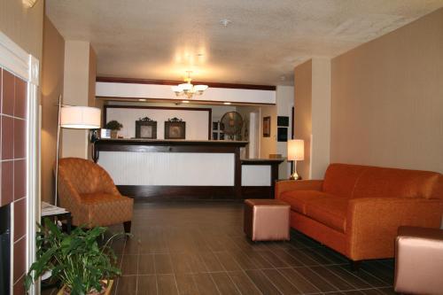 Best Western Luxury Inn Photo