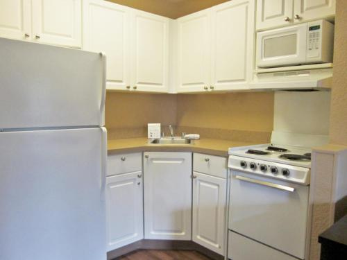 Extended Stay America - Detroit - Novi - Orchard Hill Place 39640 ...