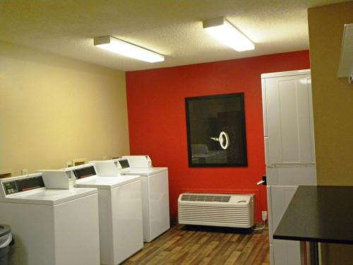 Extended Stay America - Houston - Greenspoint photo 17