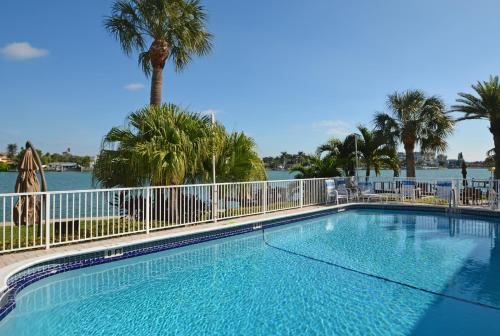 Westwinds Waterfront Resort Photo