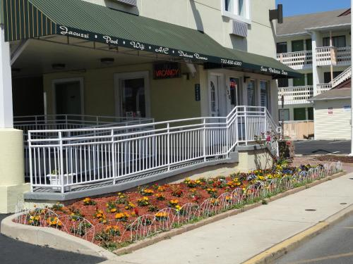 Sea Palace Inn - Seaside Heights, NJ 08751